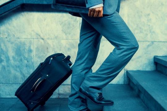 Jak rozliczać podróże służbowe krajowe i zagraniczne?